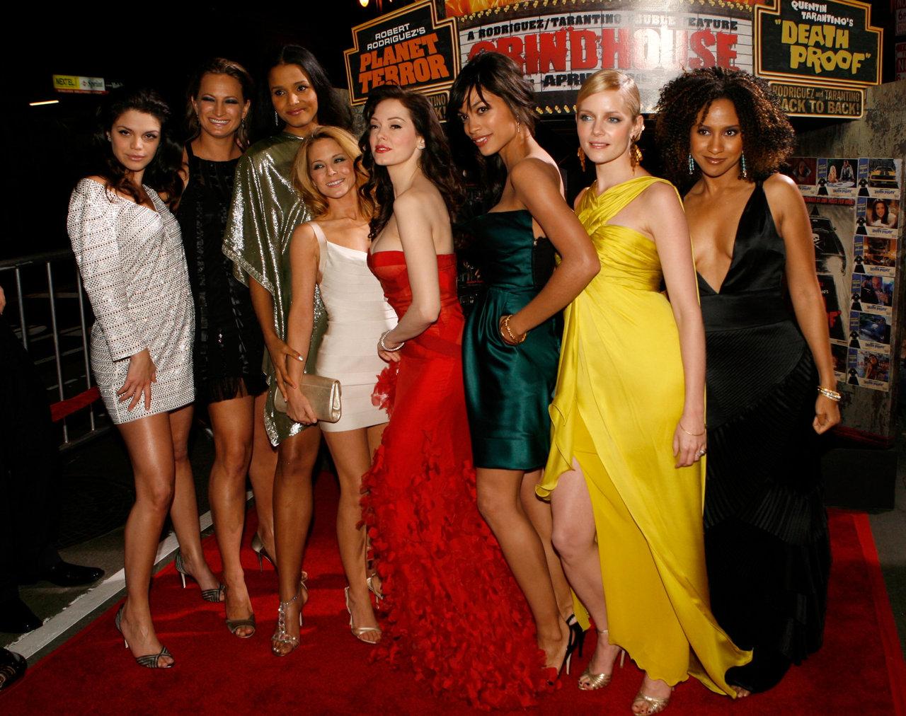 http://2.bp.blogspot.com/_FEkxtl1-FKs/TL1vqCoSM9I/AAAAAAAABCI/4nj89o8Rj6Q/s1600/The+Grindhouse+girls.jpg