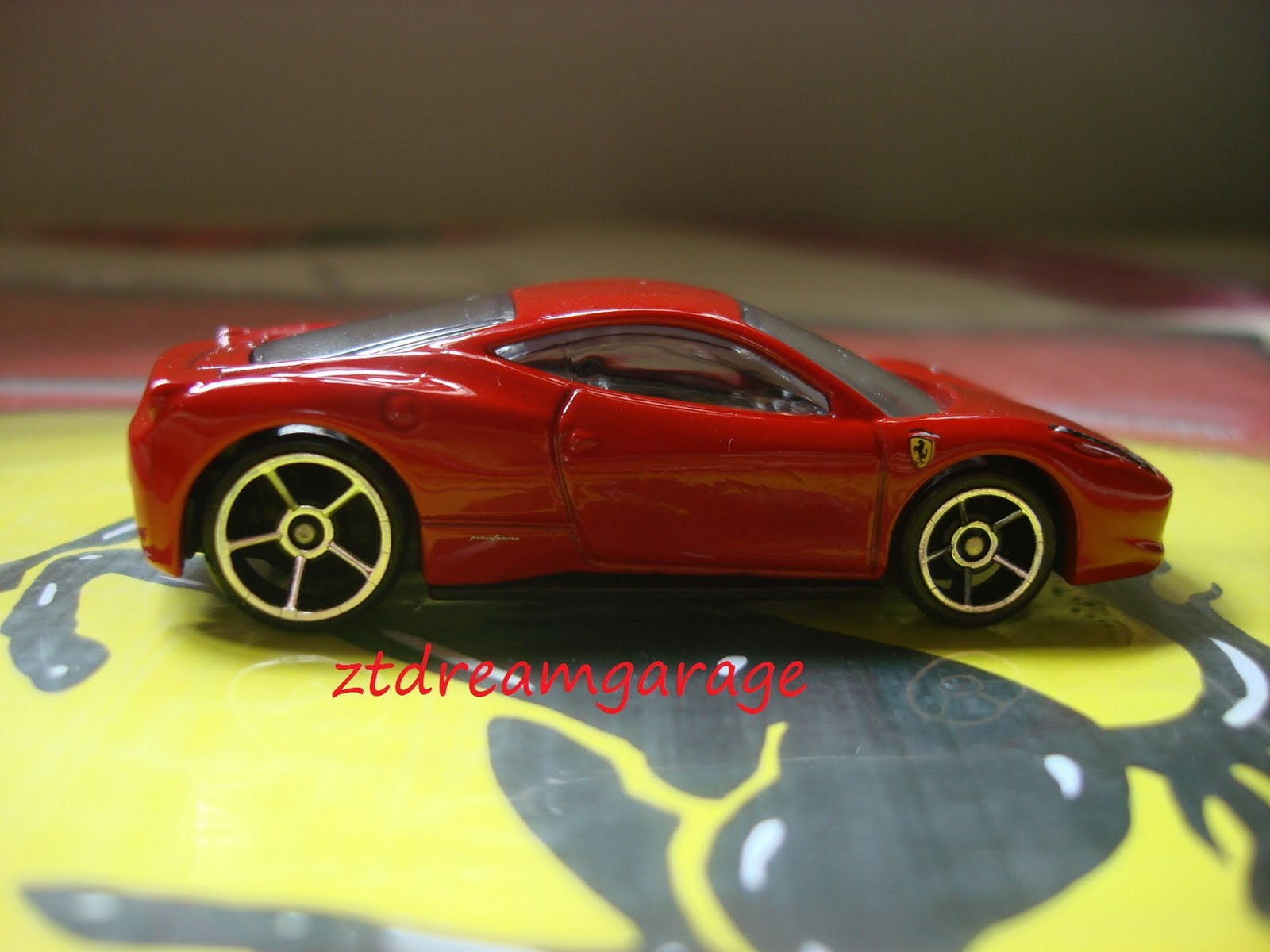 Zt S Dream Garage Hot Wheels Ferrari 458 Italia