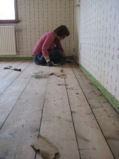 Måla gammalt trägolv