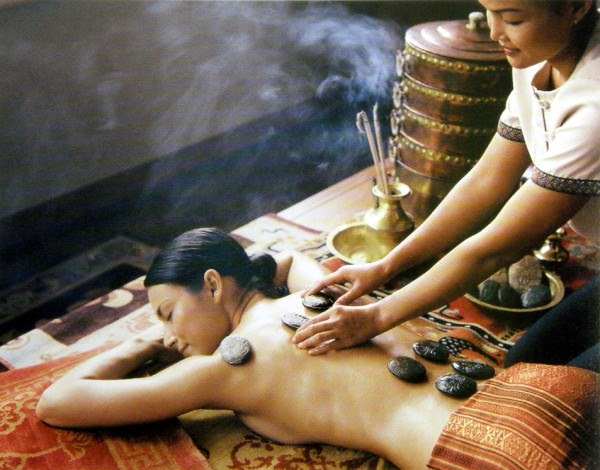 what are stone massage therapy benefits ayurveda natural wellness guide. Black Bedroom Furniture Sets. Home Design Ideas