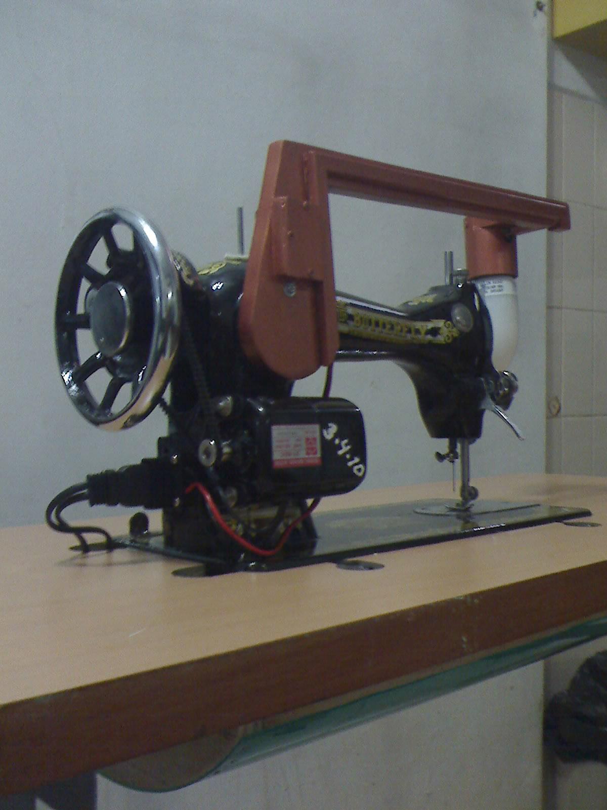 Dengan Mesin Jahit Modern Yang Sudah Built Lampu