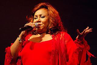 Cantora Alcione - A Marrom