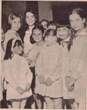 JACINTA PICHIMAHUIDA Y SUS BLANCAS PALOMITAS