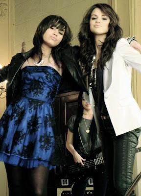 Selena gomez pics! Demi-selena