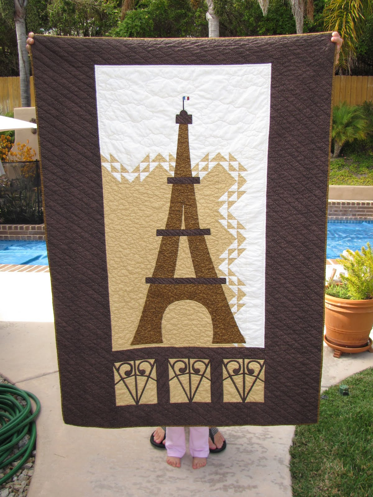 Eiffel Tower Quilt Pattern http://hrhgigi.blogspot.com/2010/09/eiffel-tower-for-my-dad.html