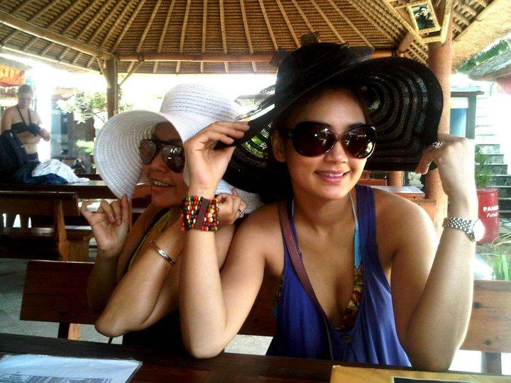 Gambar seksi Fasha Sandha memakai bikini ketika bercuti di Bali