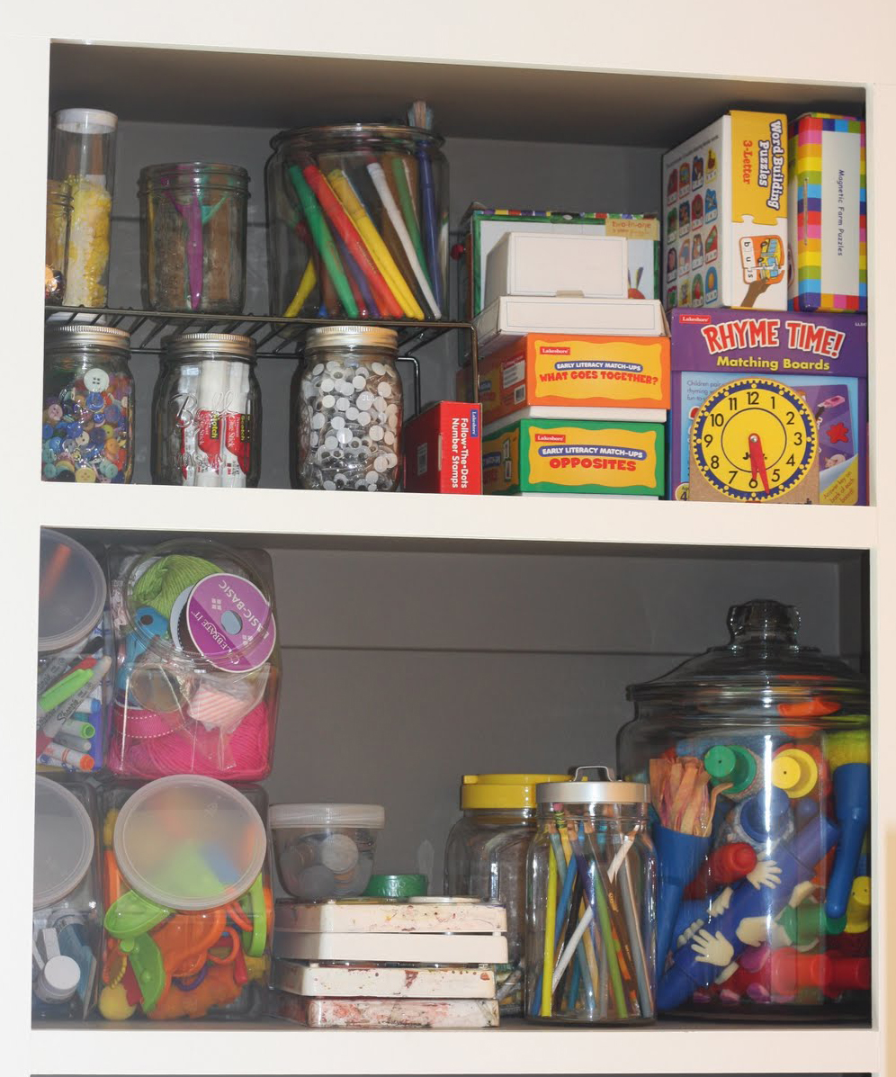 Pineapple Paintbrush: Organizing Children's Art Supplies