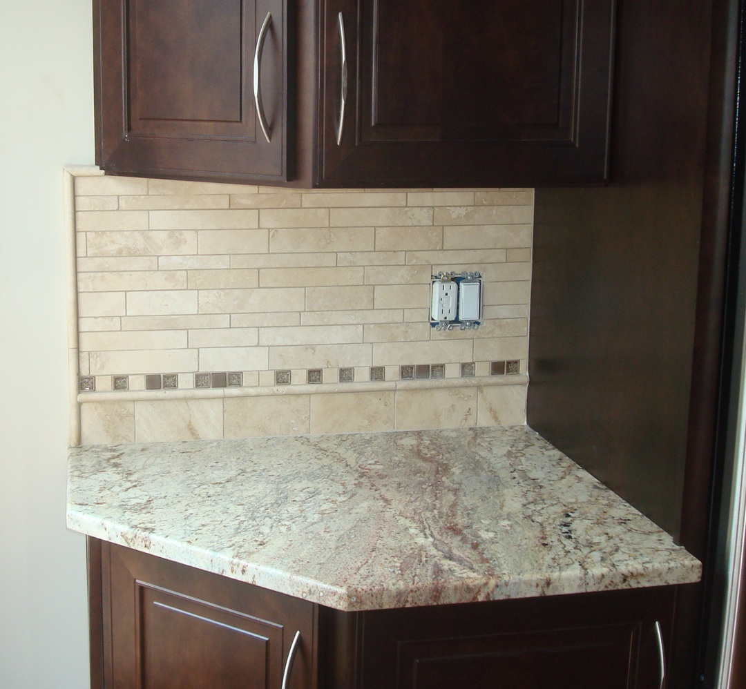 Straight Edge Tile Travertine Kitchen Back Splash