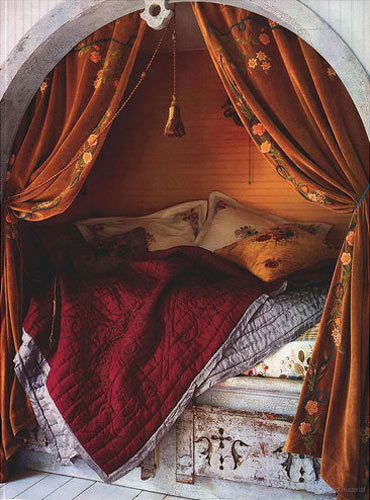 Concord green in praise of bed alcoves for Arabian night bedroom ideas