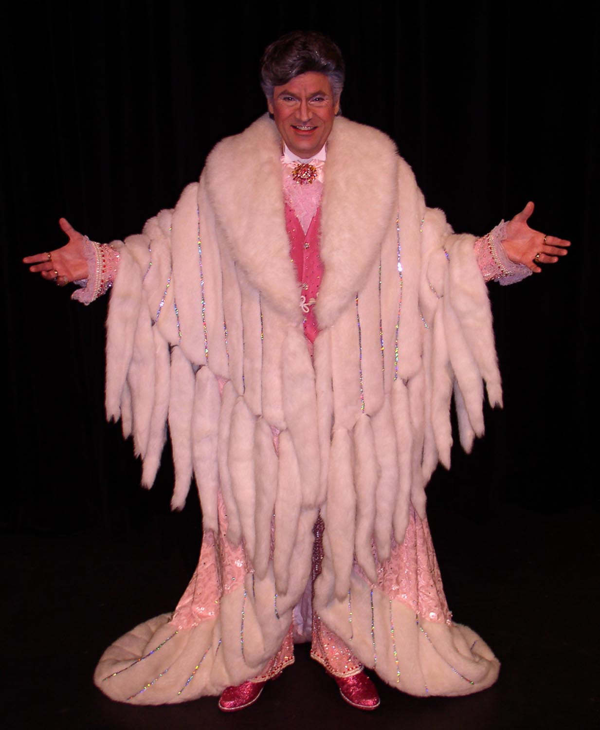 liberace When Austin first contacted CB on his favorite sex & swingers site, ...