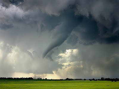 (C)Mike Hollingshead at www[dot]extremeinstability.com