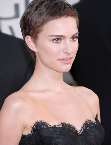 Natalie Portman Hot Sexy PhotosWallpapers Pics Pictures amp Biography cleavage
