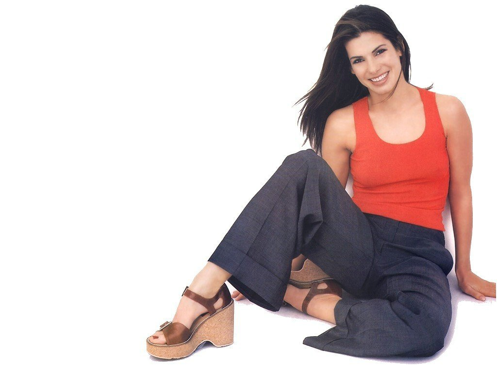 Hollywood Actress Sandra Bullock Sexy Picture & Profile