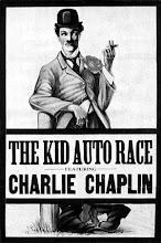 """""""The Kid auto race"""" (1914) : primera aparición del personaje de Carlito (""""Charlot"""" en francés)."""
