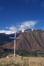 La Cruz Sobre Urabamba, Peru
