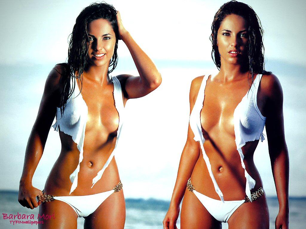 http://2.bp.blogspot.com/_FVu5XcjAEz8/S9w7Juu8_8I/AAAAAAAADIk/xZO15pYLkAs/s1600/barbara-mori-bikini-wallpaper.jpg