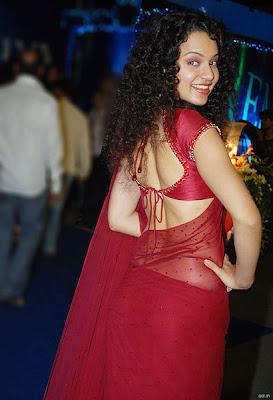 sexy kangana ranaut red sari