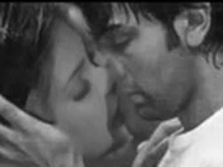anjaana anjaani pryanka ranbir kiss scene hot pics