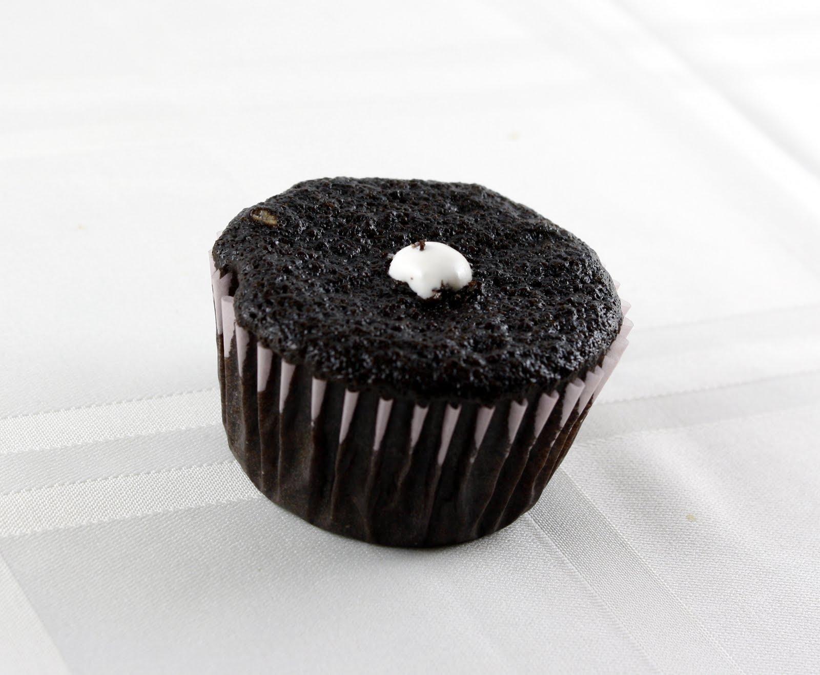 show me how to make cupcakes