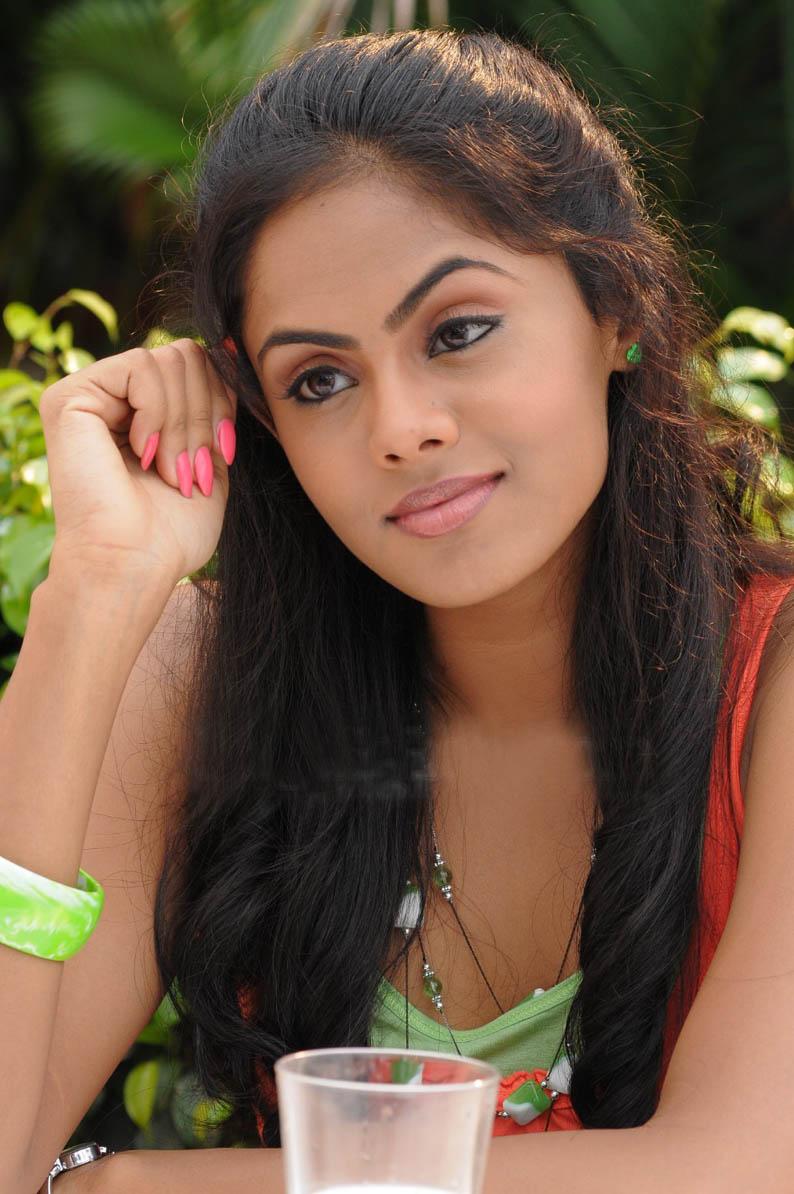 Sri lanka lassana kello heluwen related pics