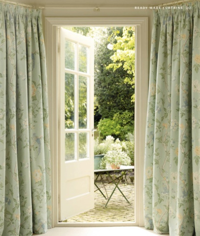 laura ashley s s 2011 desde my ventana blog de decoraci n. Black Bedroom Furniture Sets. Home Design Ideas