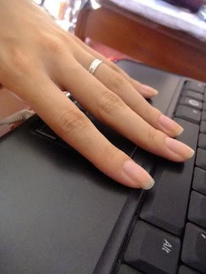 Nails by Rachel: I heart them plain too~ :)