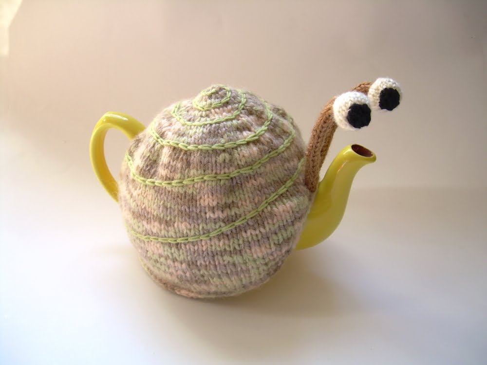 The Nutty Knitters blog: Snail tea cosy
