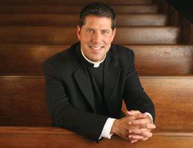 Padre Alberto Cutié abandona Iglesia Católica para ingresar en la Episcopal