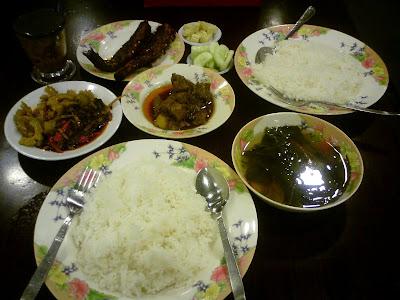 dinner @ Ya Nant Thit