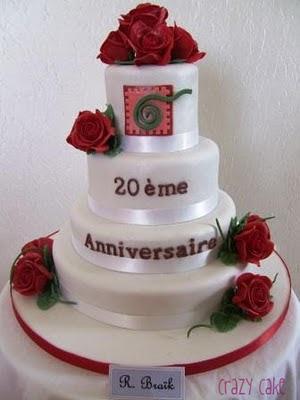 superbe gâteau de mariage ou d anniversaire de mariage avec roses ...