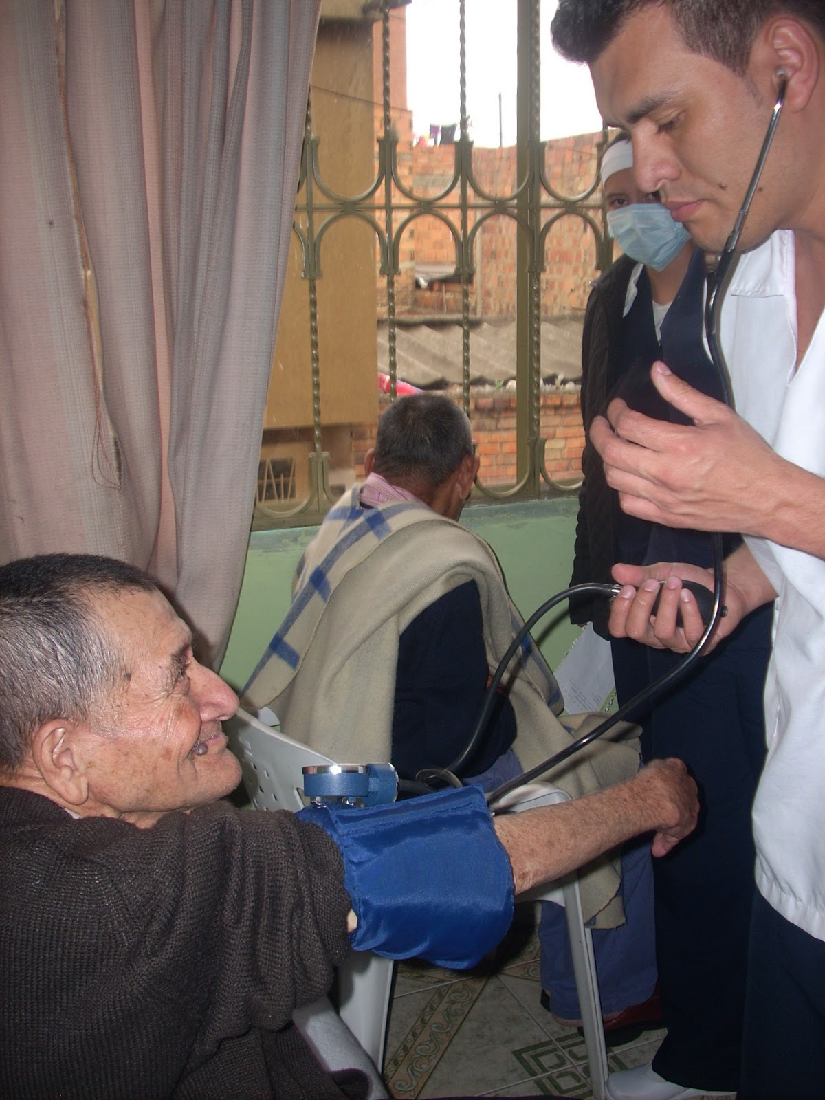 Auxiliares de Enfermería POR QUE SE ESTUDIAR ENFERMERÍA | AUXILIARES ...