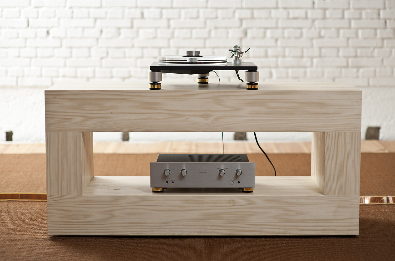 Wizard High-End Audio Blog: Audiomanufacture Custom-Made Racks