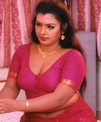 HOT INDIAN AUNTIES PICTURES IN BLOUSE PIECE