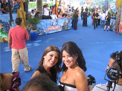 En la alfombra azul de Premios Juventud con la Blum