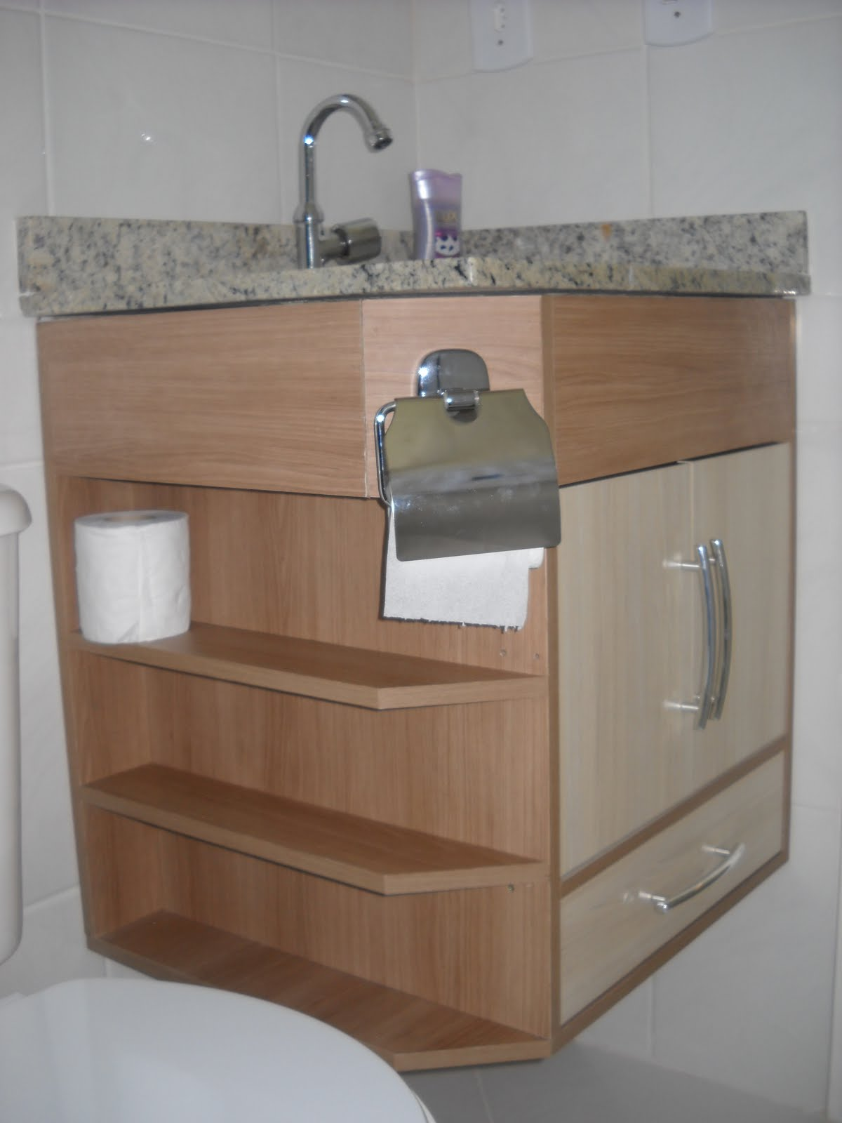 FR Design Móveis planejados: Gabinete de banheiro #674936 1200 1600