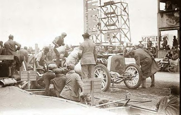 "Pit Stop for refueling of Mulford's ""Lozier"" 10-1-1910"
