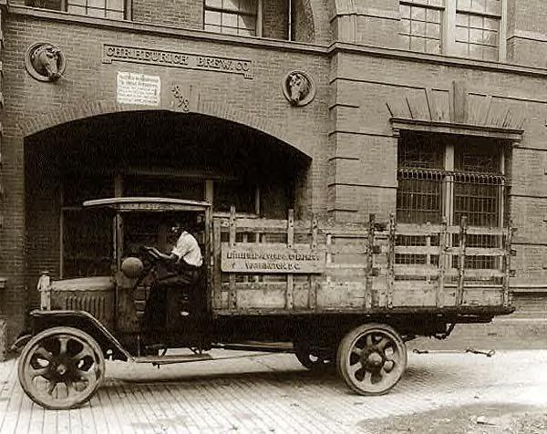 Littlefield, Alvord & Co., express truck, 1920