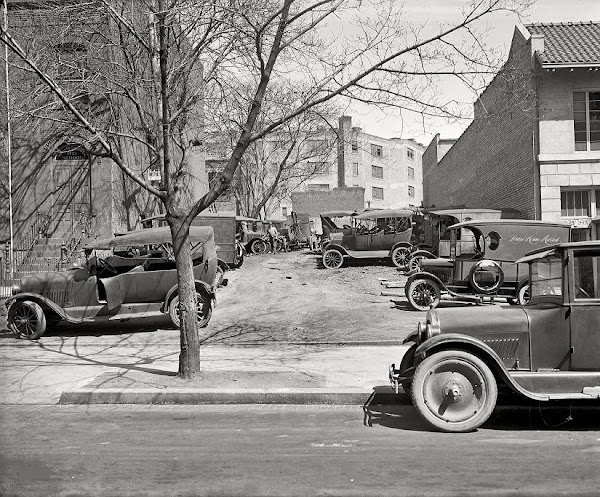 cars parked at Robey Motor Co. Washington DC, 1926