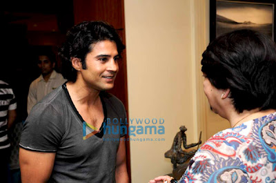 Kunal Kapoor and Sanjay Gupta at Gallerie Angel Arts exhibition image
