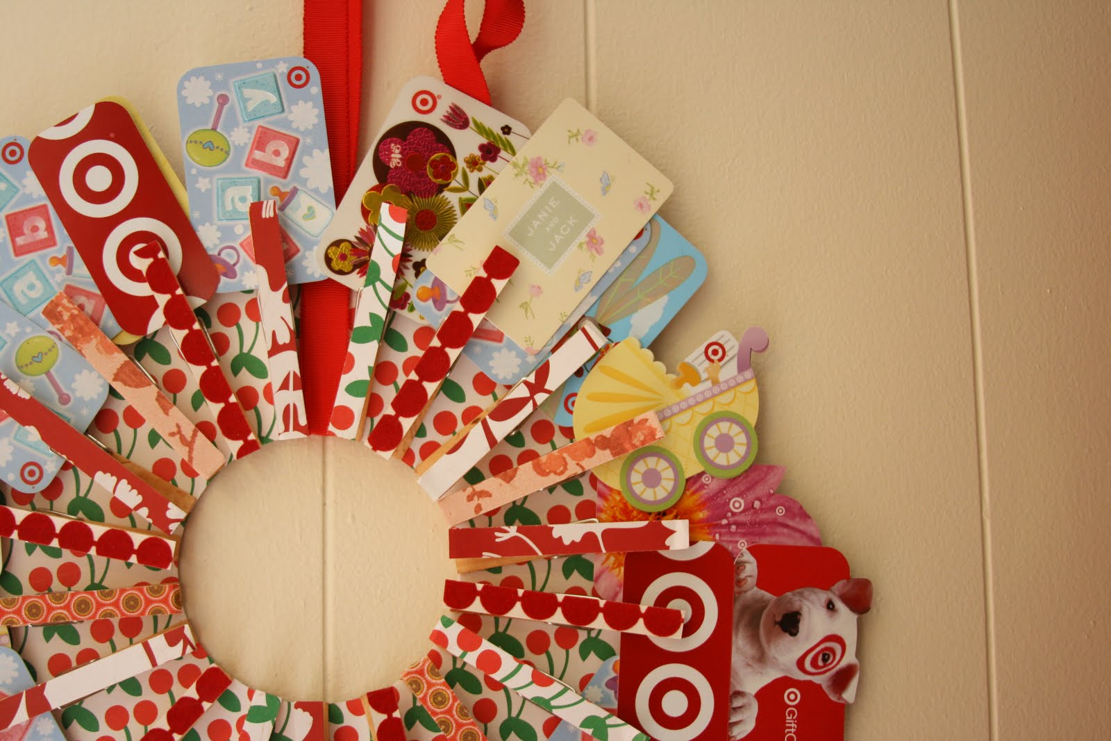 Berry fabulous for Fun ways to display christmas cards