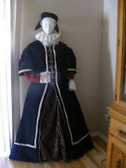 Elizabethan Fitted Costume