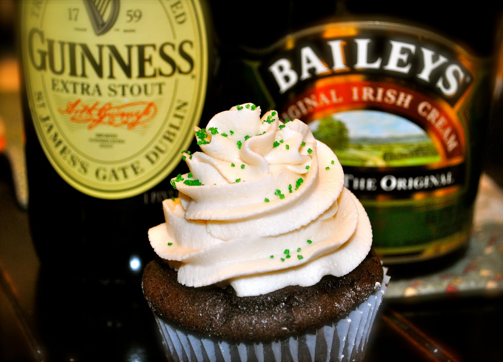 ? These Guinness Stout cupcakes with Baileys Irish Cream frosting ...