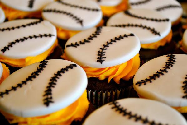 Team Lightning Cupcakes