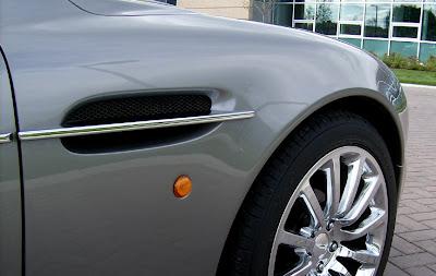 Aston 12 James Bond Aston Martin Vanquish V12 Replica   Based On Ford Mustang Photos