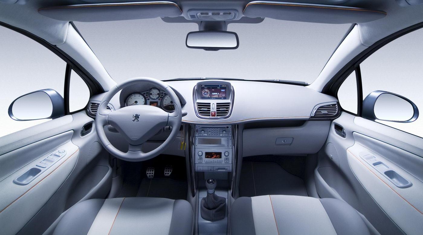 Carscoop peugeot 207swoutdoor 1 Geneva Preview: Peugeot 207 SW Outdoor Concept