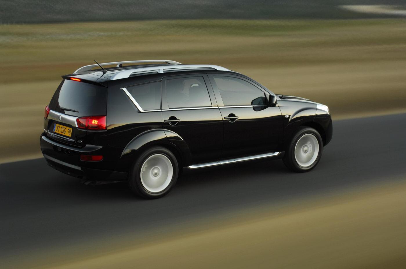 "Carscoop Peugeot 4007 108 Geneva Preview: Peugeot 4007 SUV & 4007 ""Holland&Holland"" Concept"