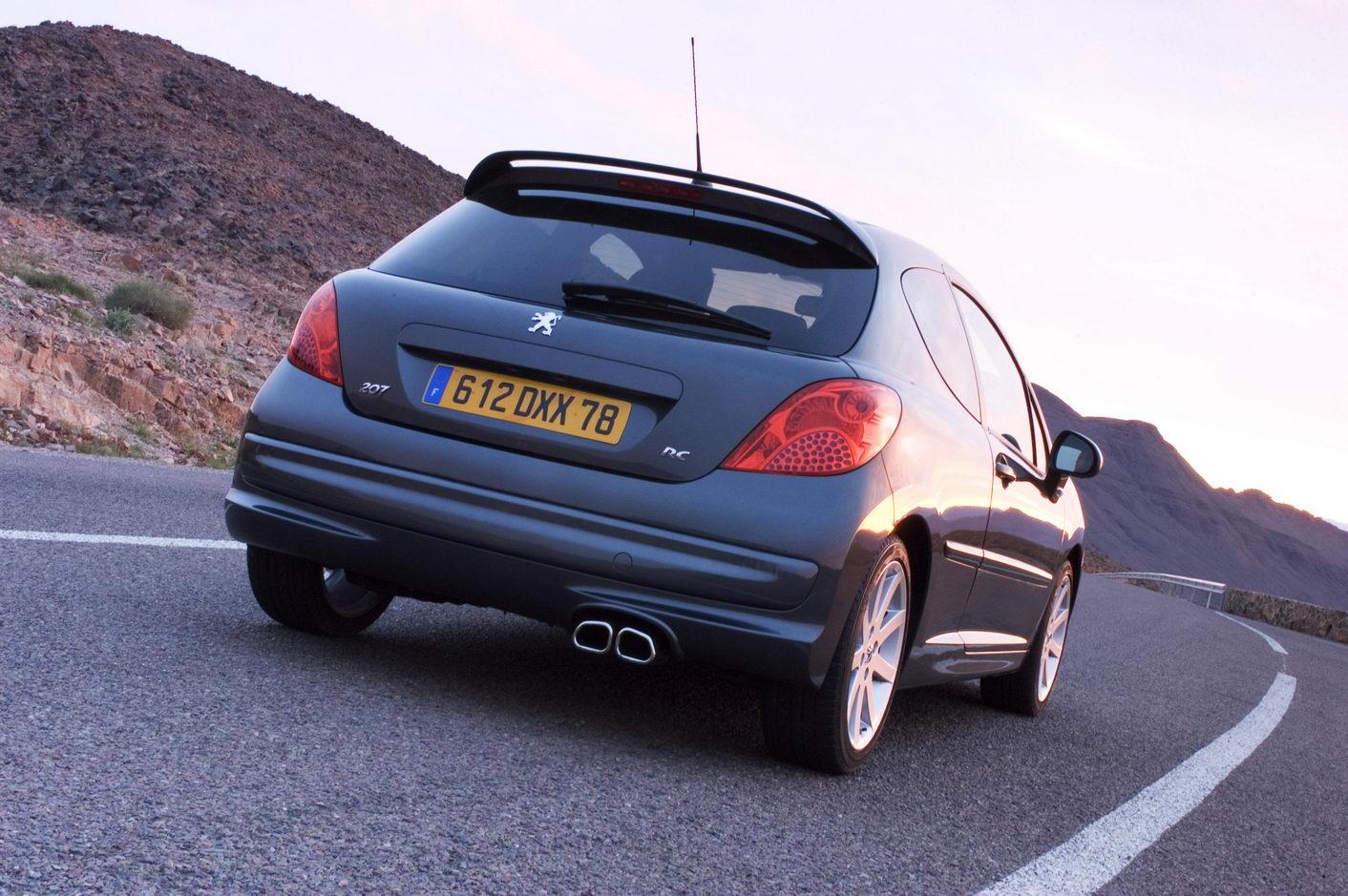 Carscoop 207RC 51 Geneva Preview: Peugeot 207 RC 1.6 Turbo 175Hp