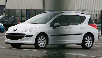 Carscoop 207 0 Peugeot 207 SW production version caught out in the open