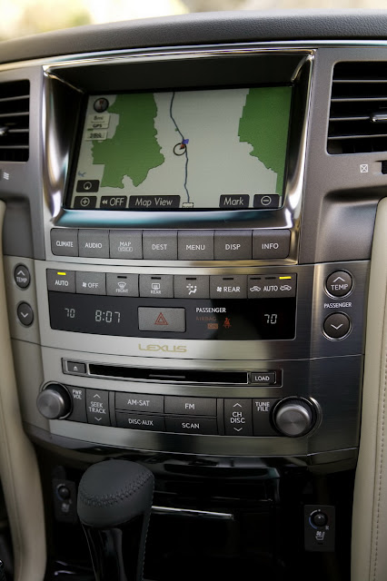 Carscoop 08 LX 570 15 NY Preview: Lexus LX 570