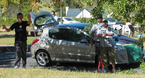 Carscoop Peugeot 308 10 Peugeot 308: Reader snaps Peugeot's upcoming Golf rival
